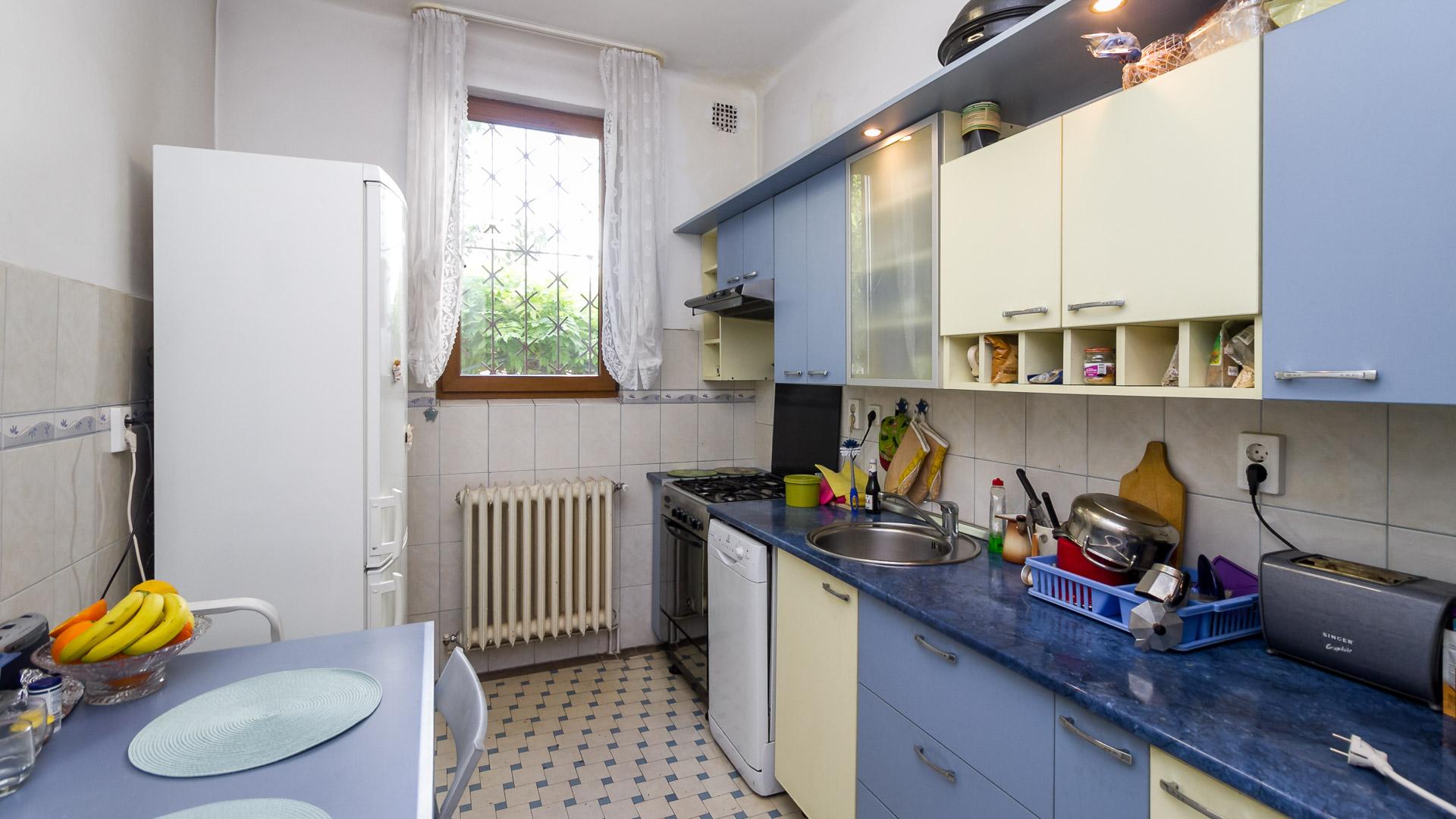 bucatarie-apartament-4-camere-parter-vila-metrou-parc-Tineretului