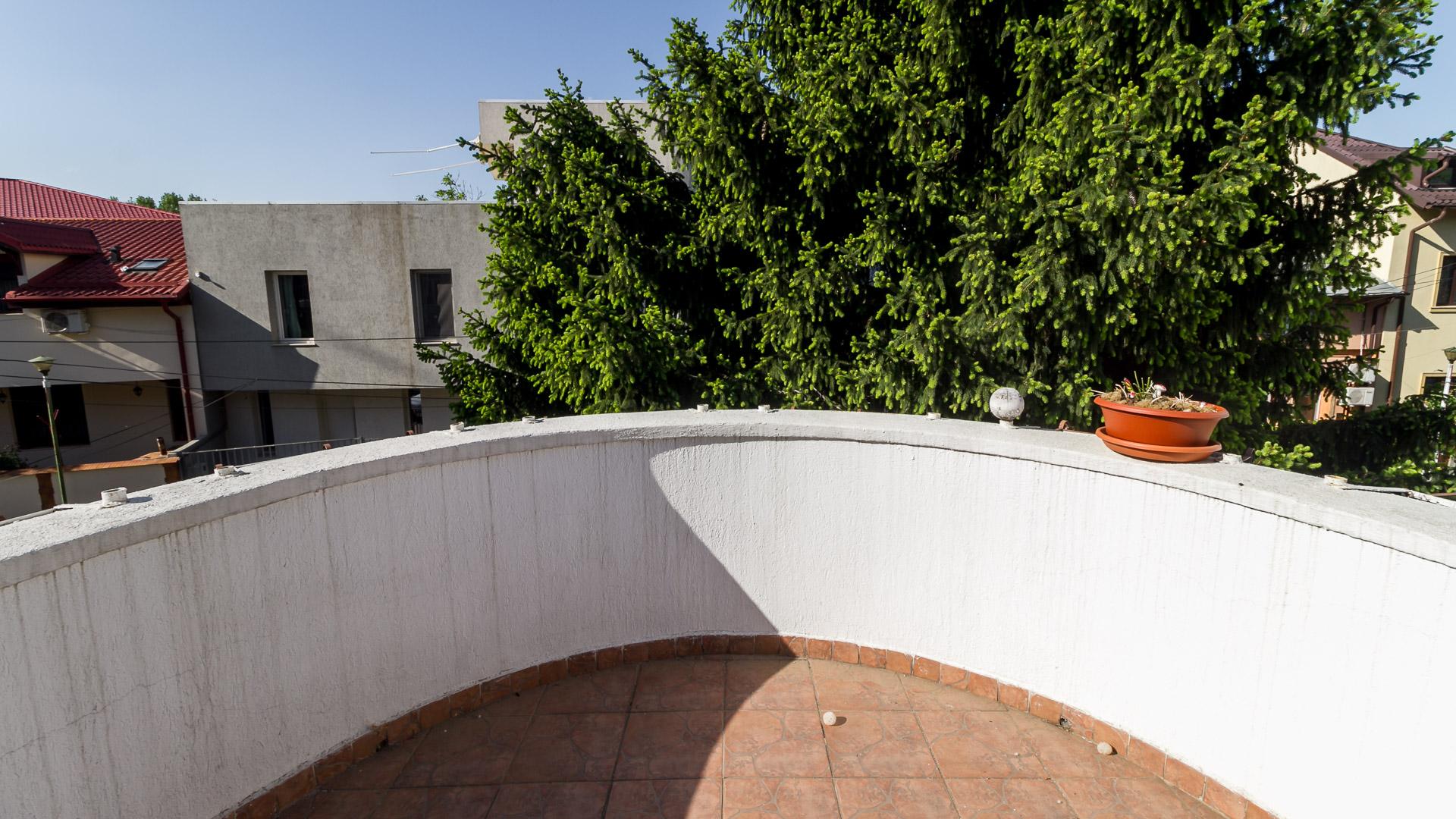 balcon-dormitor-apartament-3-camere-vila-Tineretului