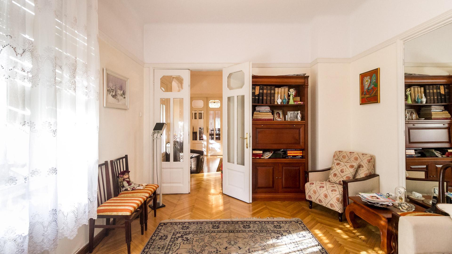 dormitor-apartament-4-camere-parter-vila-centru-Bucuresti-metrou