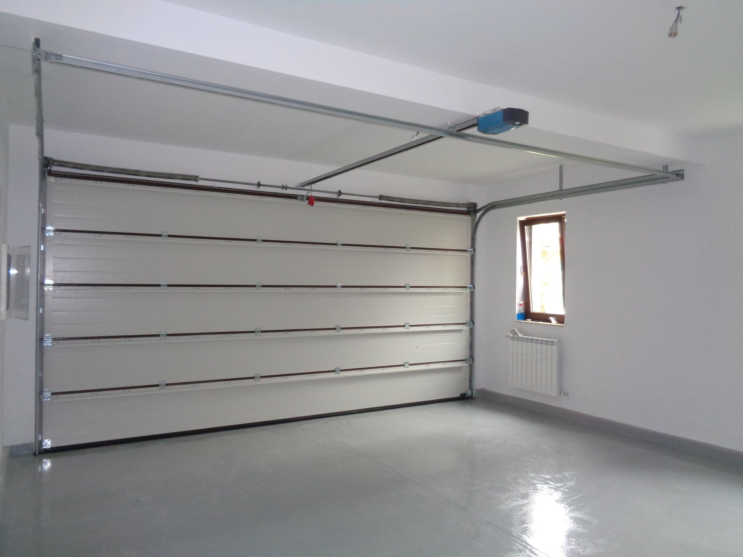 Baneasa-casa-de-vanzare-complex-Realitatea-garaj-www.bcsimobiliare.ro
